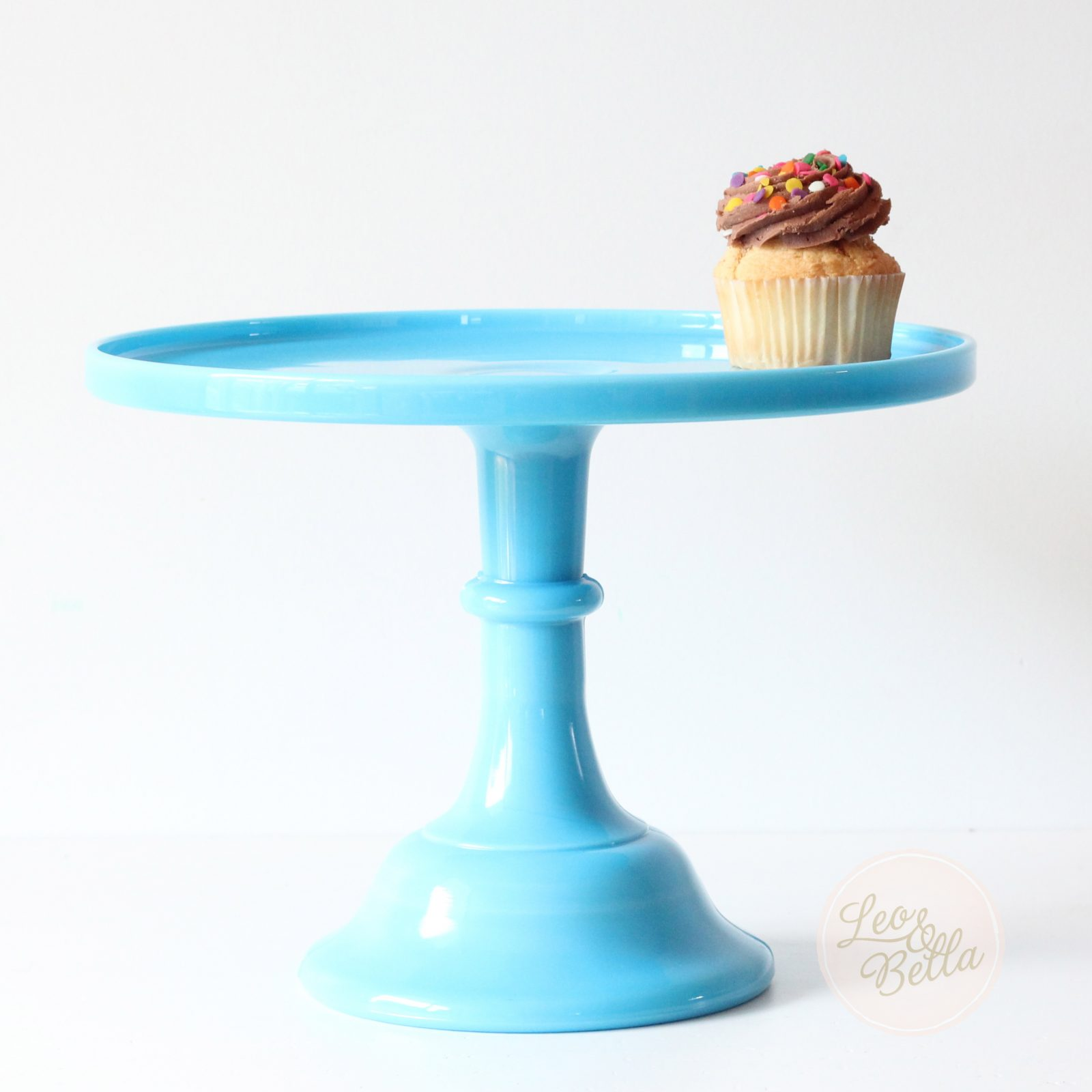 Leo And Bella Cake Stands