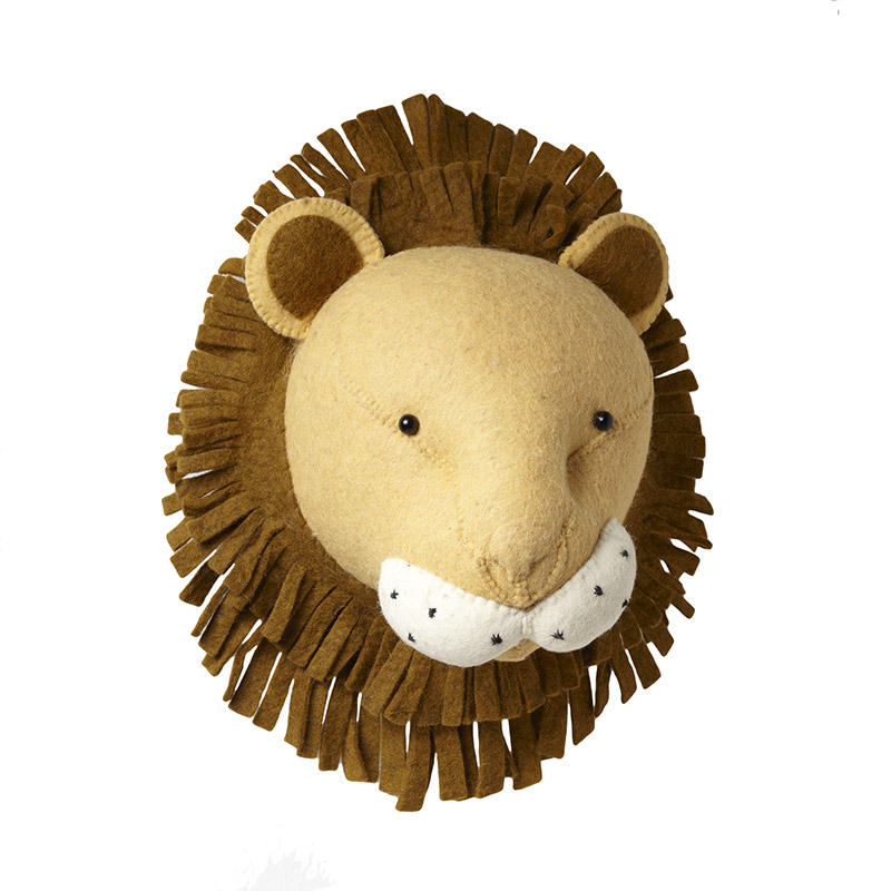 Leo bella fiona walker felt animal head lion for Animal head wall decoration