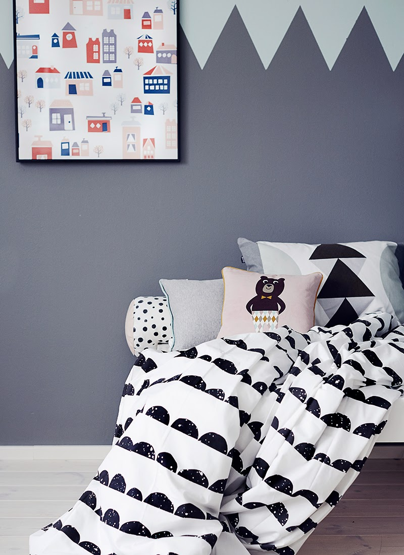 Leo & Bella / Shop / ferm LIVING Bedding Half Moon Black Single