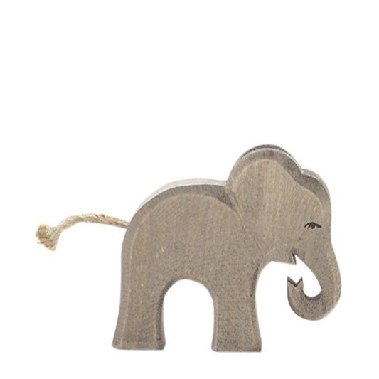 ostheimer-elephant-small-eating-20415
