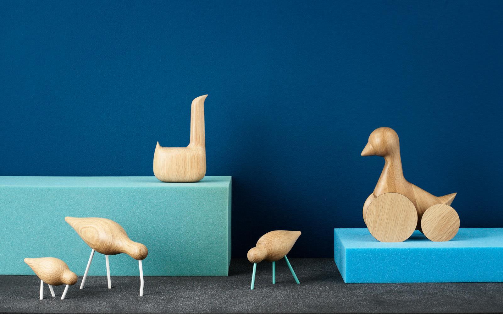 leo bella normann copenhagen swan oak. Black Bedroom Furniture Sets. Home Design Ideas