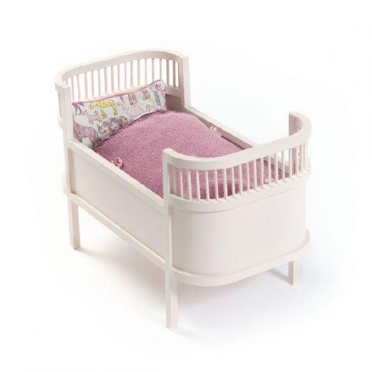 Smallstuff-Rosaline-Wooden-Doll-Bed-Cot-Rose-Poppenbed-Hout-Roze-3-Elenfhant-600-x-600-PX