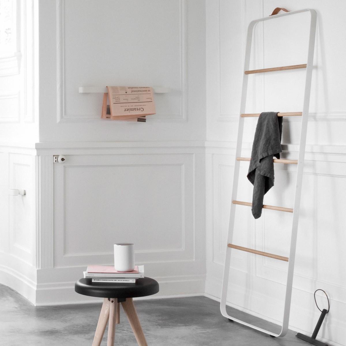leo bella menu bath towel ladder white light oak. Black Bedroom Furniture Sets. Home Design Ideas