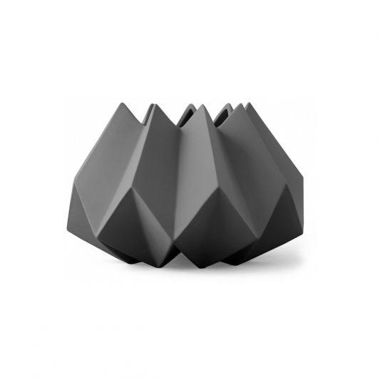 folded-vase-carbon-by-menu