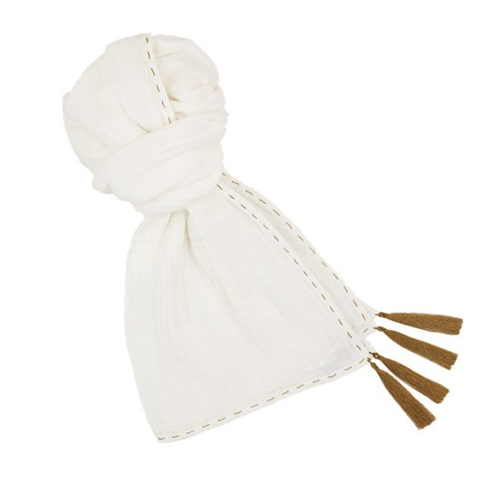 kid-scarf-s001-low-def