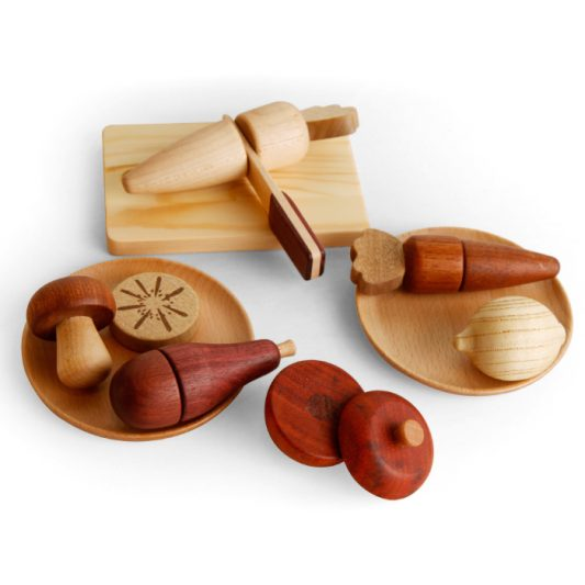 33-033_soopsori_wood_veggie_fruit_play_set1