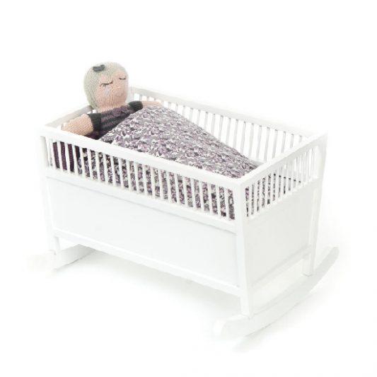 Smallstuff-Rosaline-Wooden-Doll-Cradle-White-Poppenwieg-Hout-Wit-Elenfhant-600-x-600-PX-2