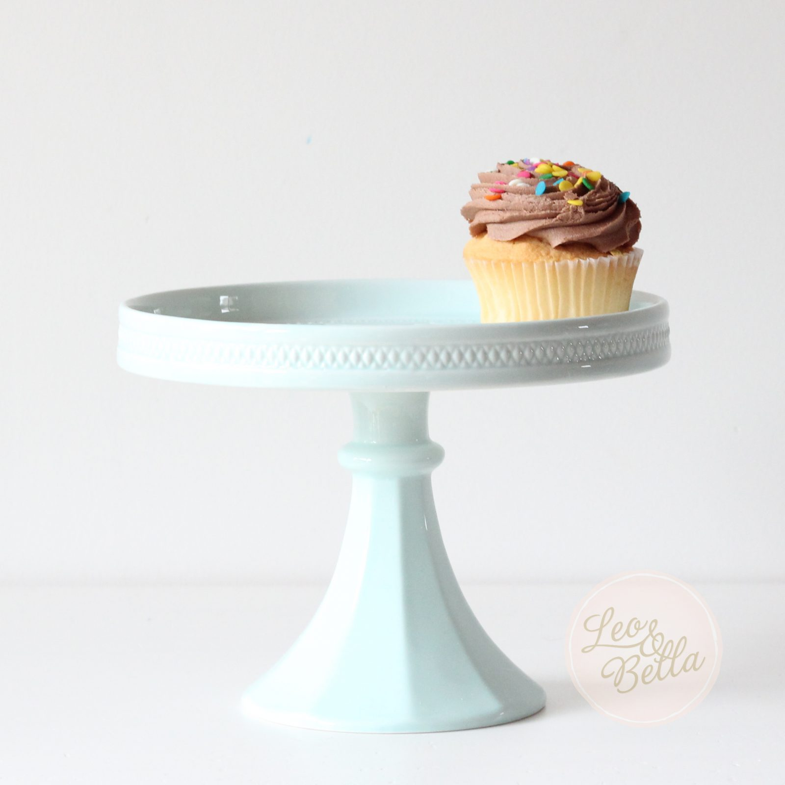 Decor Cake Holder : Leo & Bella Rosanna Decor Bon Bon Hue Small Rimmed ...